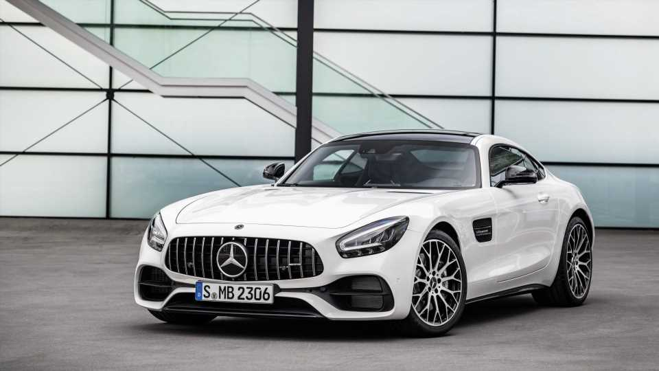 2019 Mercedes-AMG GT Line: New Screens and Tech Enhance the Facelifted German Brute