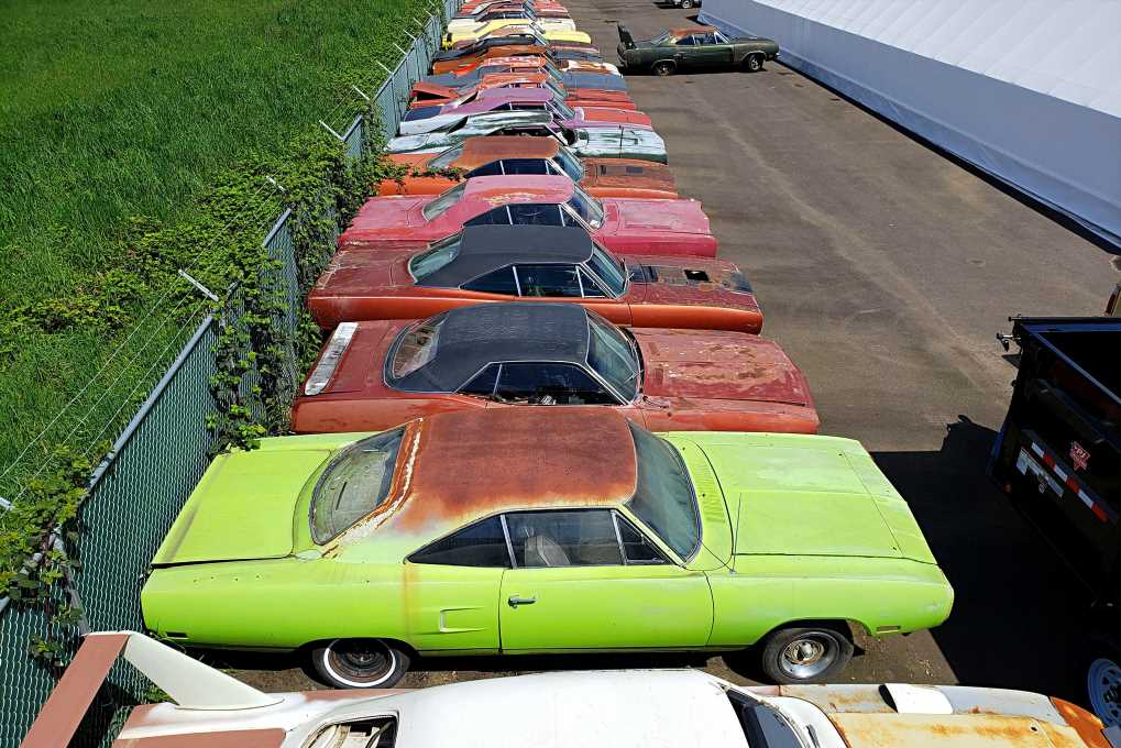 Greeting from the Grave: The Many Shades of Mopars