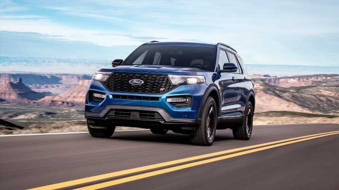 Review: The 400-HP Ford Explorer ST is the Sportiest Explorer Yet