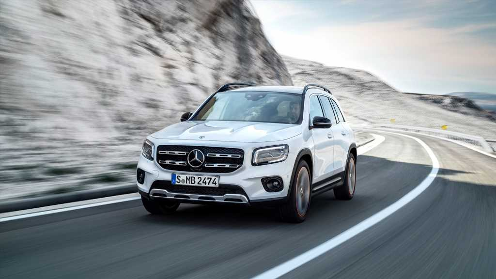 The 2020 Mercedes GLB-class SUV Is Juuuust Right