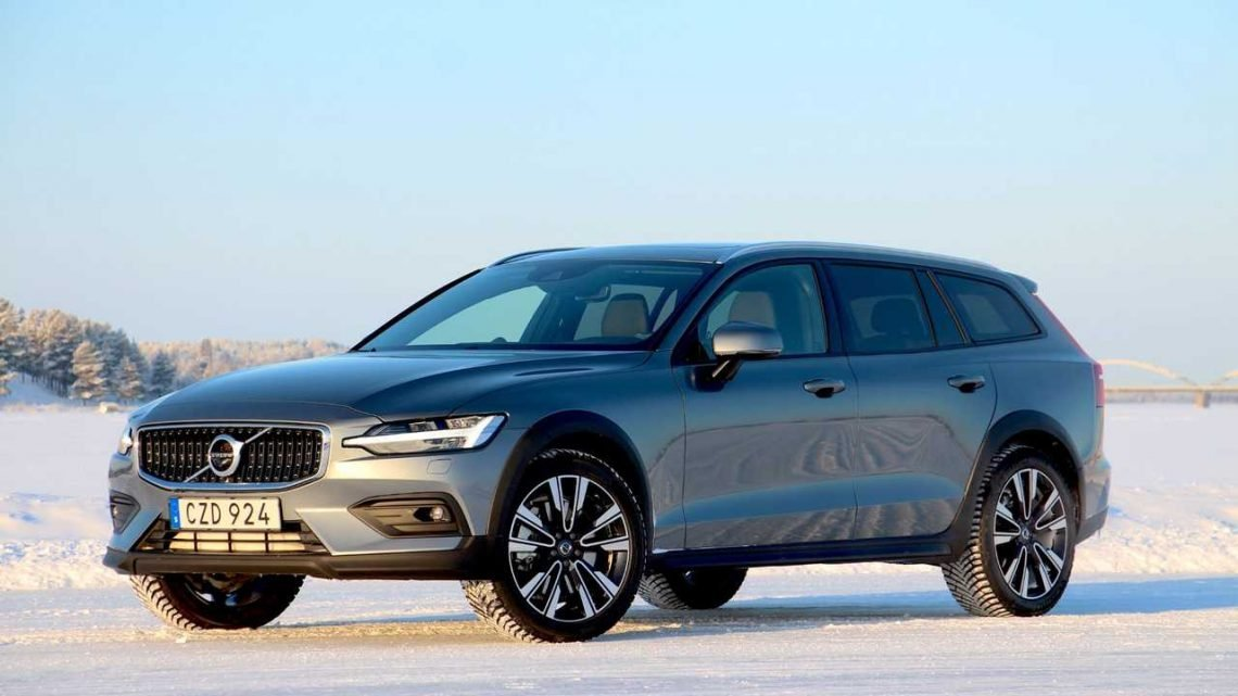 A Fully-Loaded 2020 Volvo V60 Cross Country Can Cost $59,475