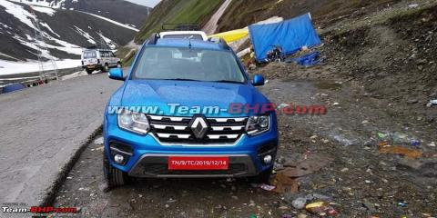 Renault Duster facelift spotted completely undisguised
