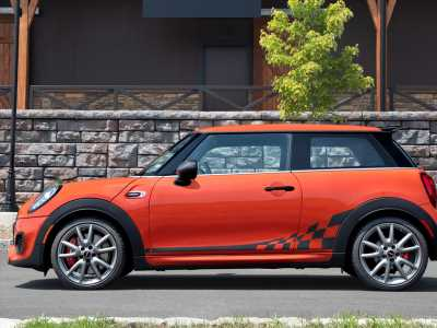 Mini Cooper JCW Hardtop essentials: One for the superfans