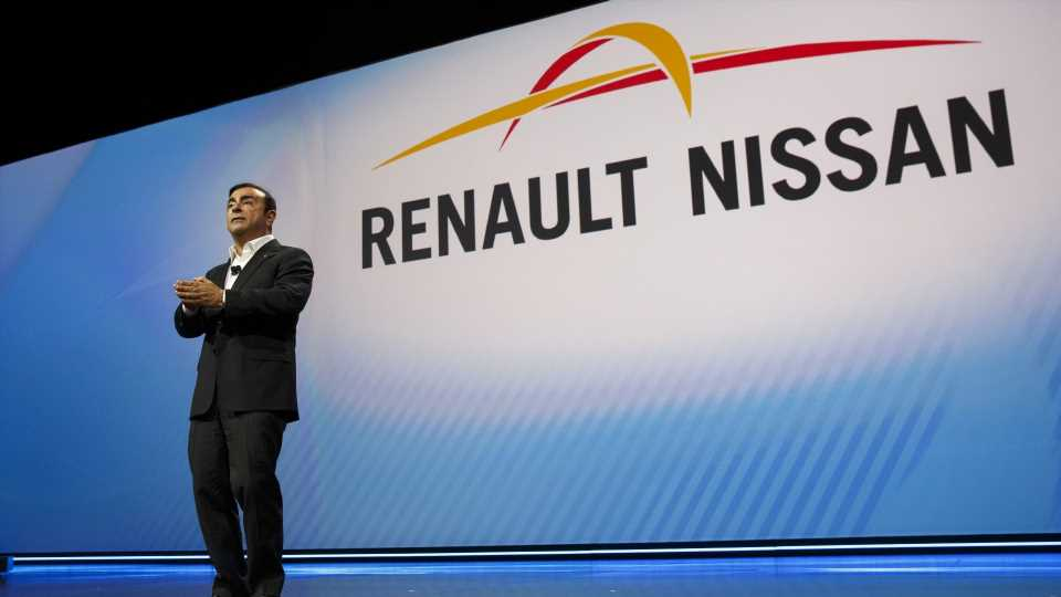 Ghosn Reportedly Wanted to Merge Nissan and Renault Brands Before His Arrest: Report