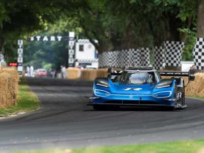 Volkswagen ID. R breaks the outright record at Goodwood hill climb