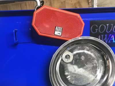 Cheap and easy: Here's a simple way to have music in the garage