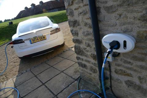 England: New homes must have electric car charging points