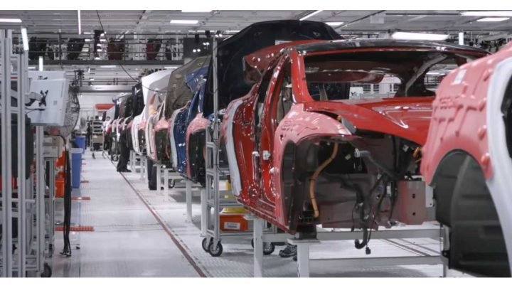 Another Tesla Executive / Longtime Employee Leaves The Company