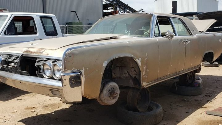 Junkyard Treasure: 1962 Lincoln Continental Sedan