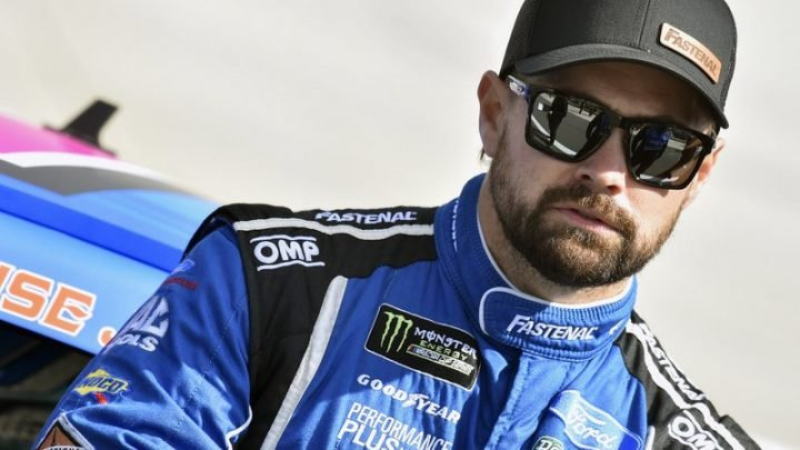 NASCAR free agent Ricky Stenhouse wants to leave Roush with a win