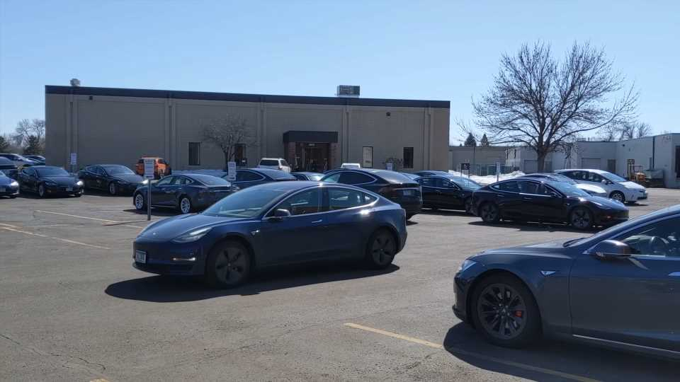 Watch a Pair of Tesla Model 3s Drive Themselves to Their Owners Via New 'Enhanced Summon'