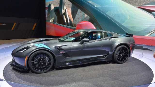There Are Still Over 5,000 New C7 Corvettes On Dealer Lots