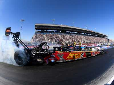 Stage is set for a wild NHRA final round in Pomona