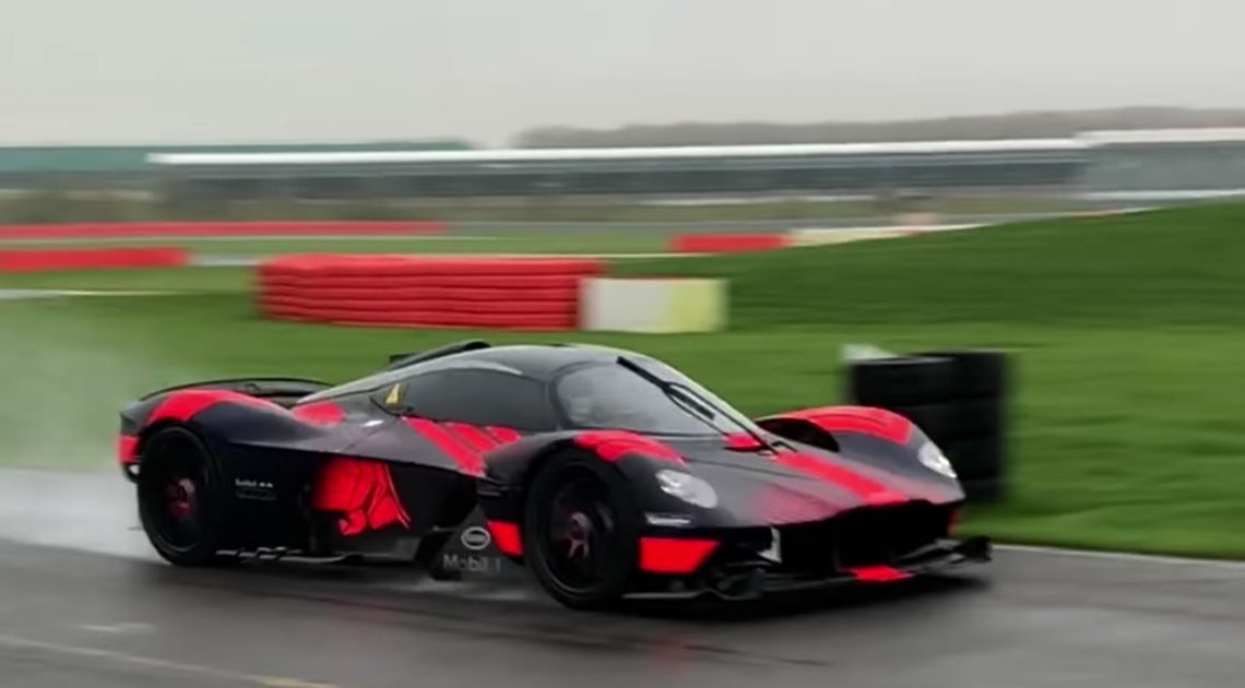 Here's An Even Better Video Of Aston Martin Valkyrie Making Shouty V12 Noises