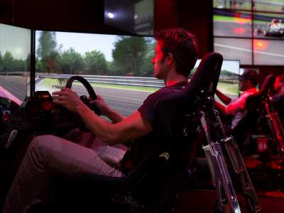 Join 'Autoweek,' 'Road & Track,' race car drivers and sim racers in LA for the Ultimate Sim Circuit Championship