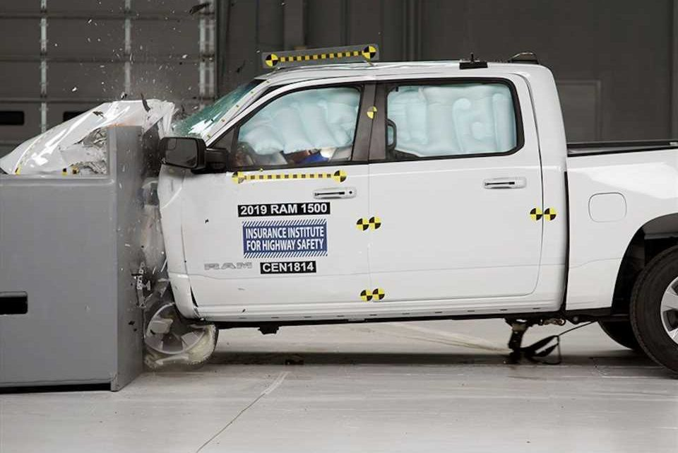 IIHS toughens criteria for Top Safety Pick awards