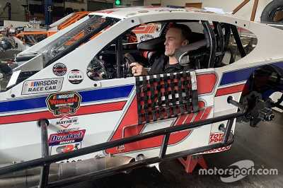 Kevin Harvick: Running a modified race 'on my bucket list'