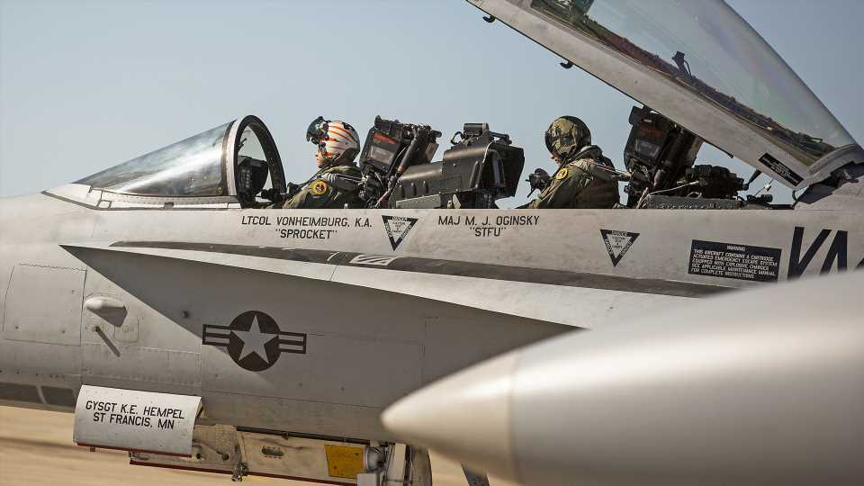 Marines Winding Down Weapon Systems Officer Position, F/A-18Ds To Fly With Pilot Only