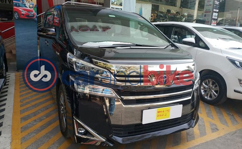 Upcoming Toyota Vellfire Luxury MPV Spotted At Dealership