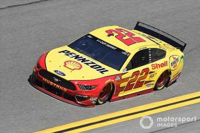 Joey Logano leads Ford 1-2-3-4 in Duel #1 win