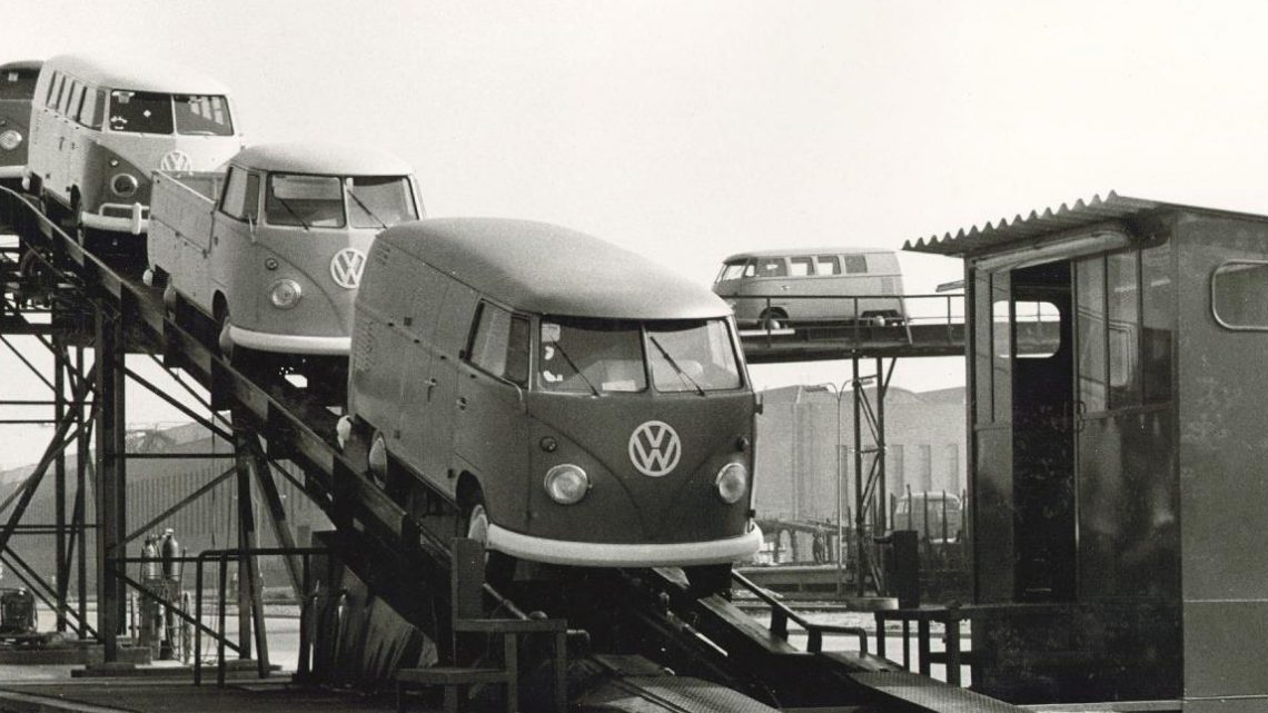 The 70-Year-Old Volkswagen Transporter Breaks Production Record