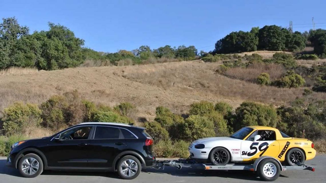 Towing A Race Car With A Kia Niro EV: Here's How To Make This Possible