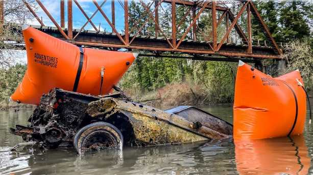 1973 Ford Mustang Recovered from River Bottom in Video