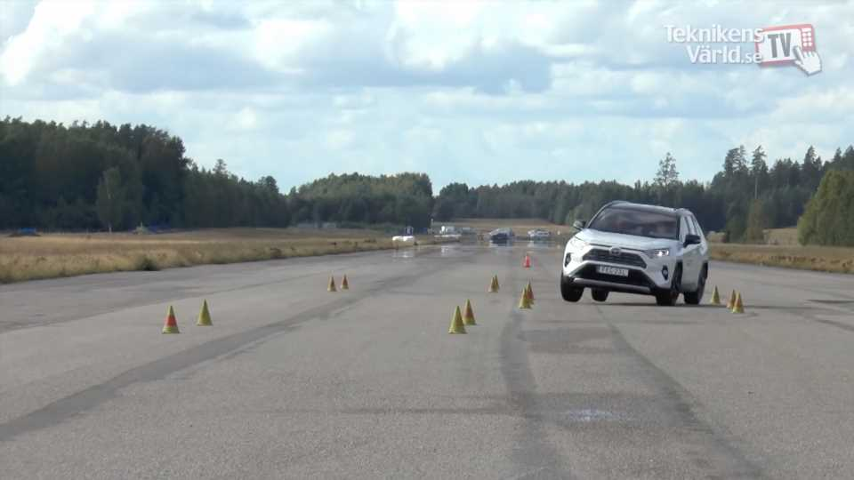 Watch the 2019 Toyota RAV4 Miserably Fail the Moose Test