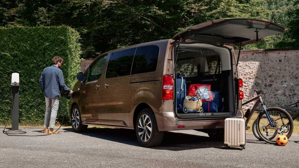 Citroen Introduces Electric MPV e-SpaceTourer With Up To 9 Seats