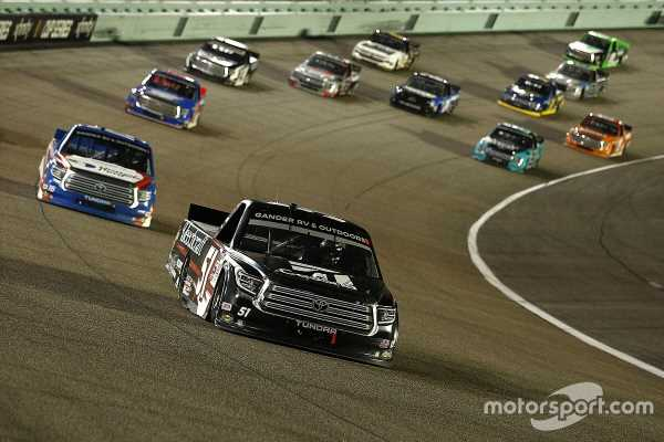 Busch bounces back from penalty to dominate Miami Trucks