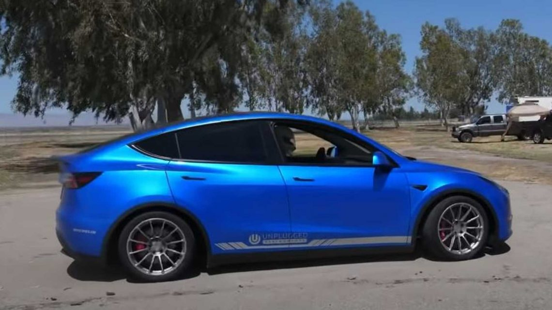 Tesla Model Y Sets Fastest SUV Lap Record At Buttonwillow Raceway