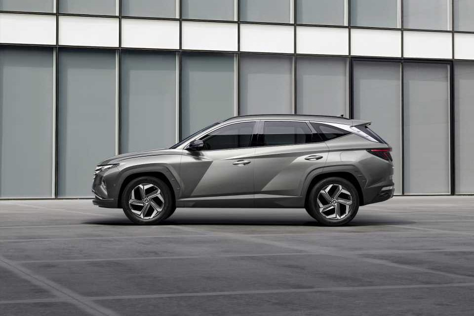 2022 Hyundai Tucson compact SUV gets a brash makeover and new hybrid engines