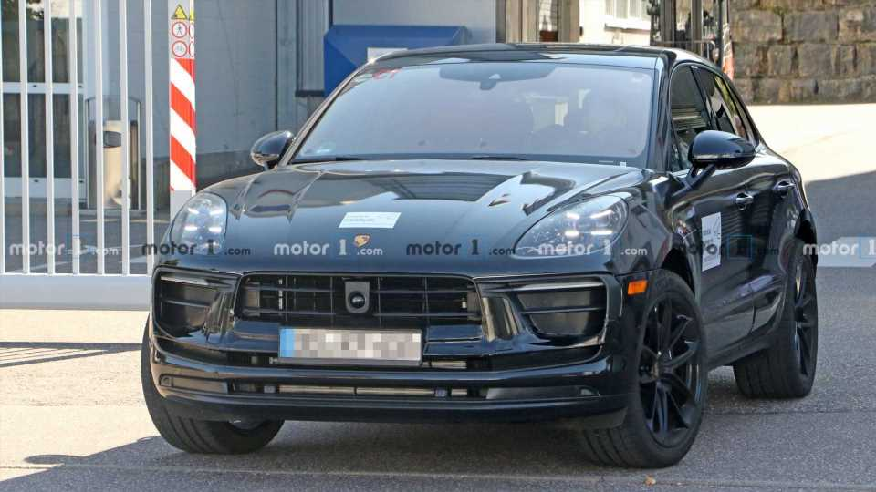 Porsche Macan Spied Getting Ready For Yet Another Facelift