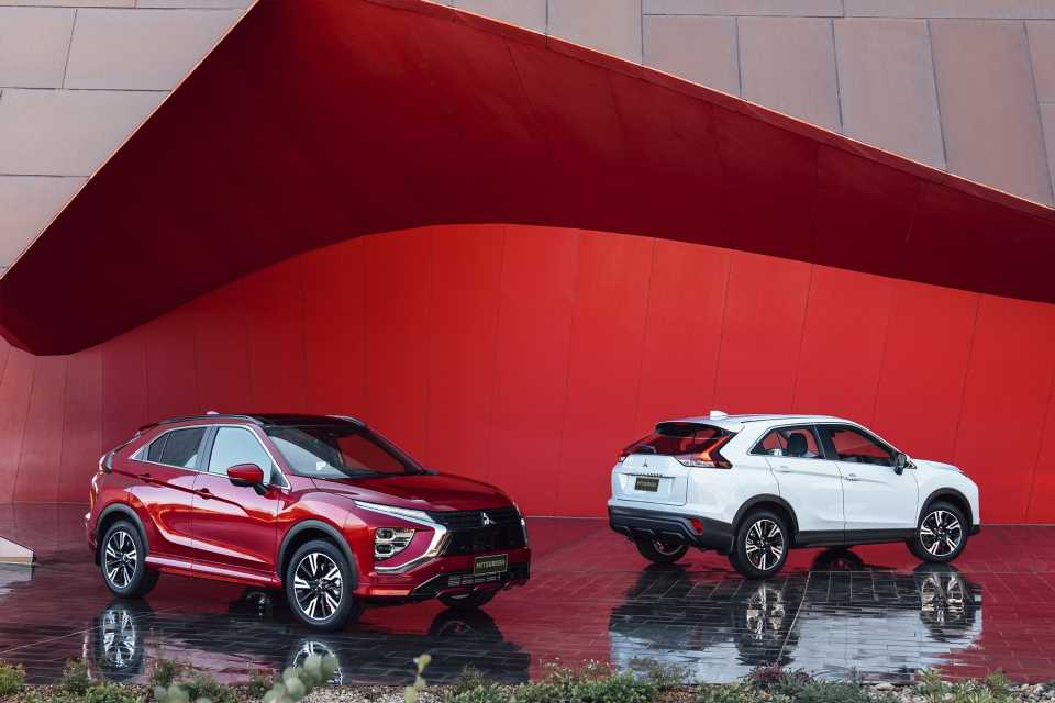 2022 Mitsubishi Eclipse Cross refreshes interior, reworks rear end