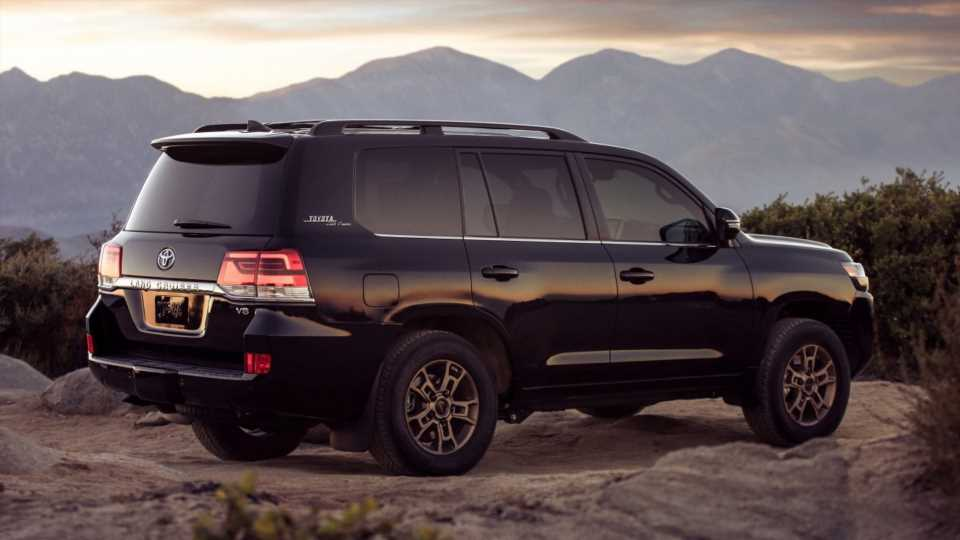 Toyota Land Cruiser Discontinued in America After 2021: Report