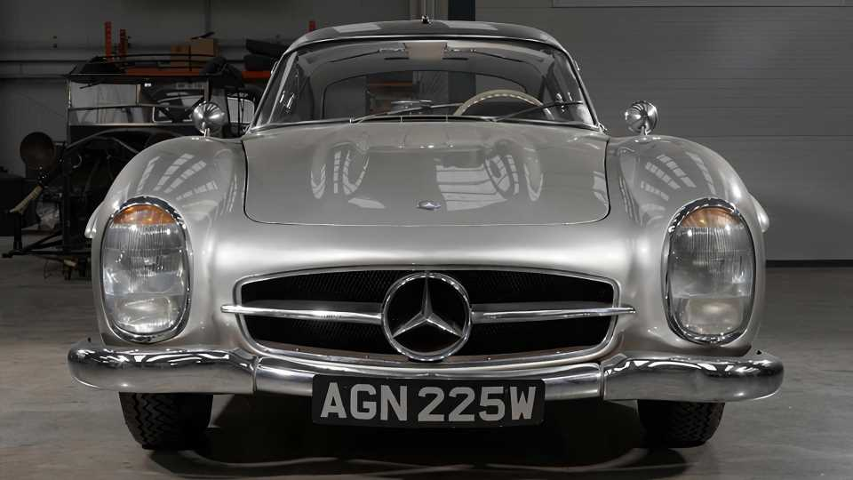 Once-Odd Mercedes-Benz 300SL Gullwing Now a Concours Contender After 100-Point Restoration