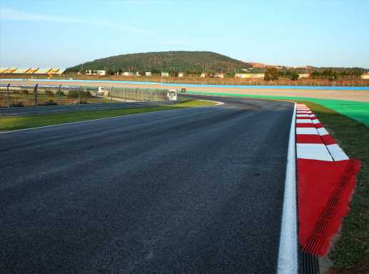 Istanbul Park takes unusual steps to rubber up track   F1 News by PlanetF1