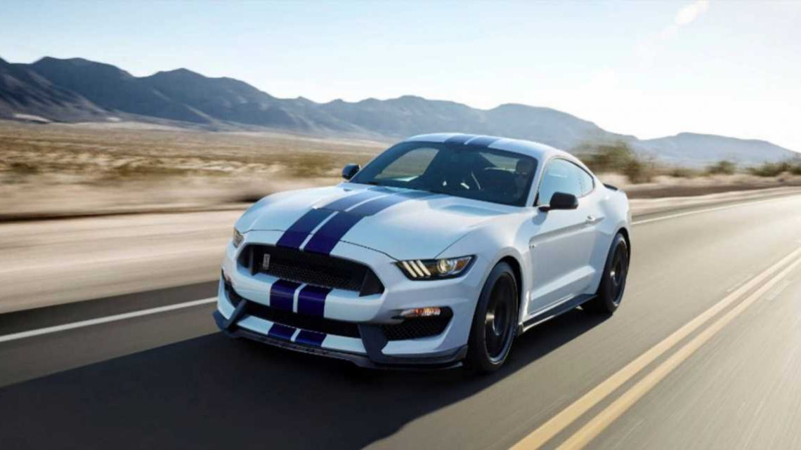 Do You Want a Ford Mustang Shelby GT350 or a Shelby GT350R?