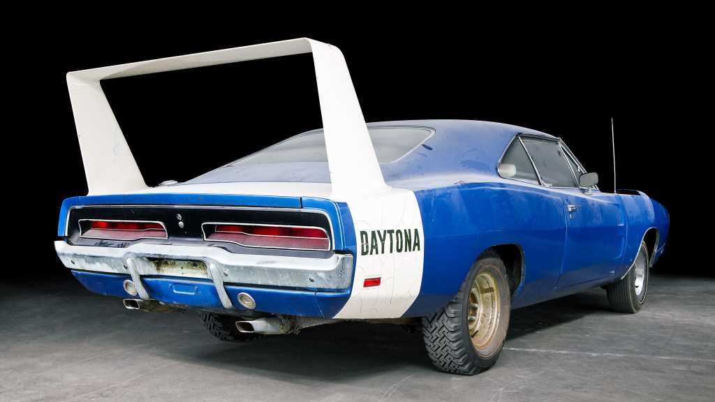 Near-Original 1969 Dodge Daytona Pulled Out of Storage After 45 Years