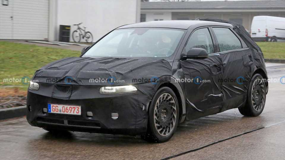 2022 Hyundai Ioniq 5 Spied And Teased Ahead Of Early 2021 Debut
