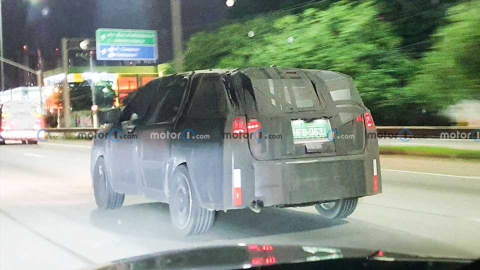 Seven-Seat Jeep Compass Spied, Won't Be Called Grand Compass