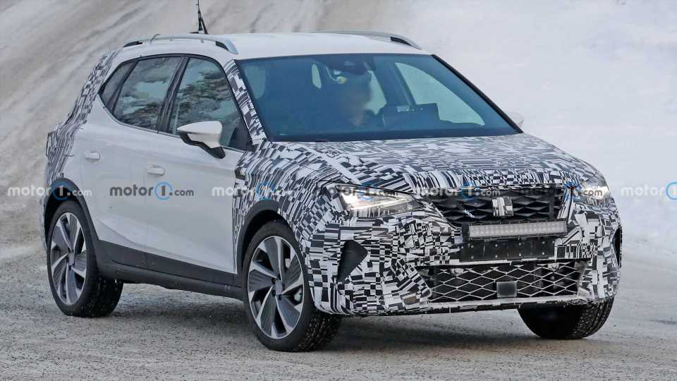 SEAT Arona Facelift Spied Trying To Hide During Winter Testing