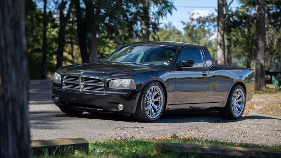 Converting a Hemi V8-Powered Dodge Charger Into a Truck Is the Right Thing to Do