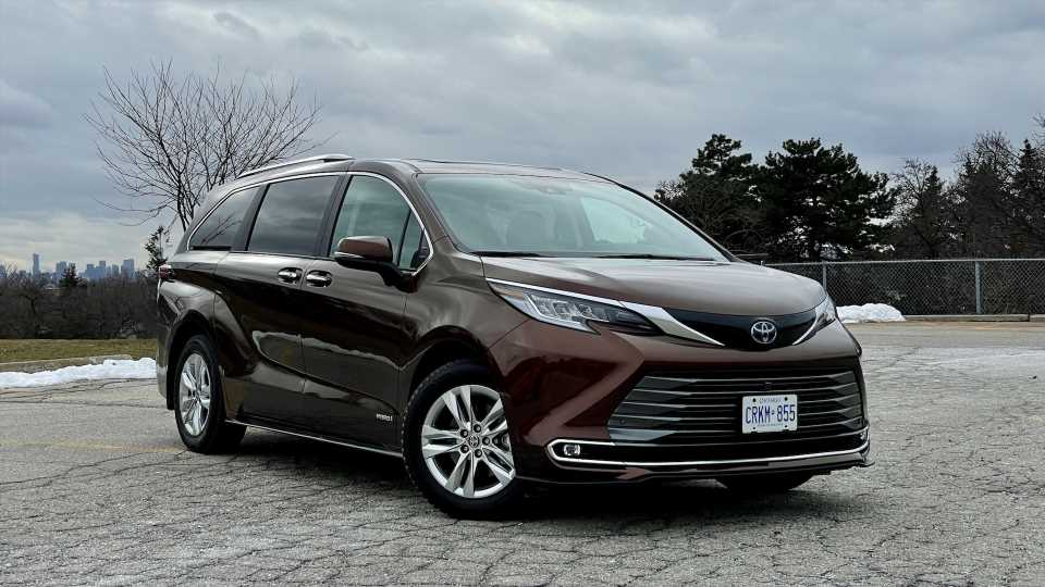 2021 Toyota Sienna Review: A Modern Family Hauler, Renovated With Hybrid Power