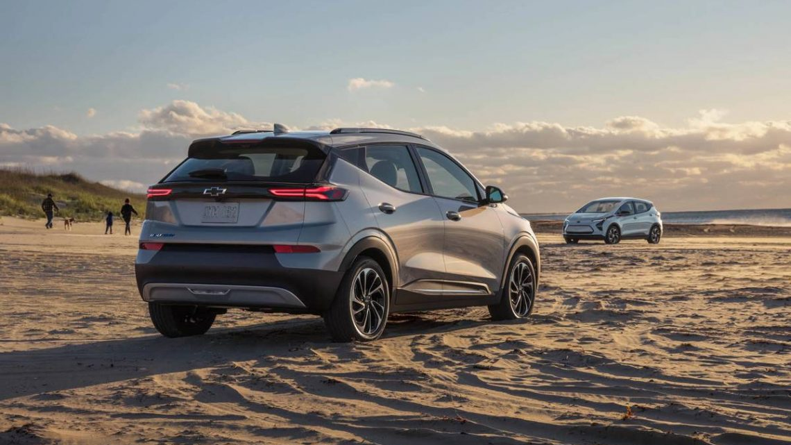 2022 Chevrolet Bolt EV and Bolt EUV: Bow-Tie EVs, Now In Two Sizes