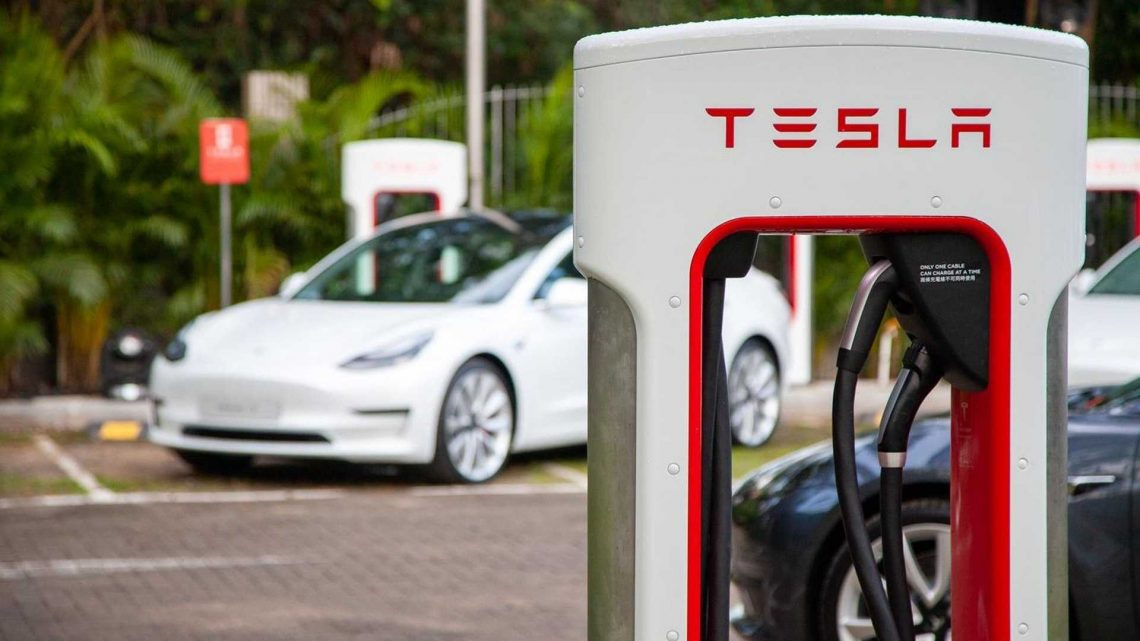 Harvard Business Review: Tesla Superchargers Leave Rivals 'In The Dust'