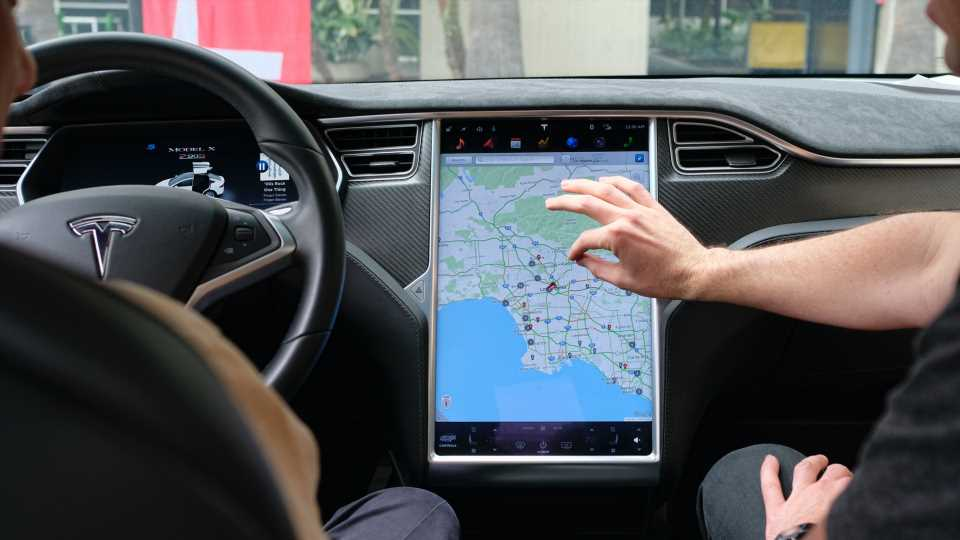 Tesla Claims Failing Touchscreens in NHTSA Recall Were Only Meant to Last 5-6 Years Anyway
