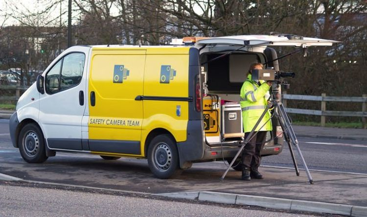 Drivers who post images of speed cameras on Facebook and Twitter could face £1,000 fine