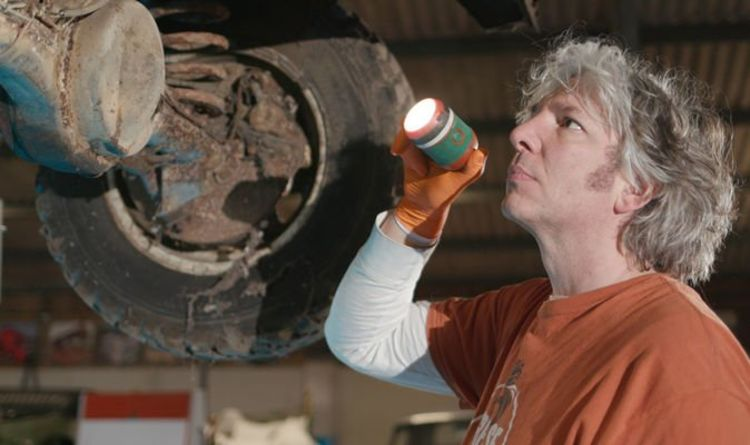 Wheeler Dealers host Edd China to launch new free online TV series for classic car owners