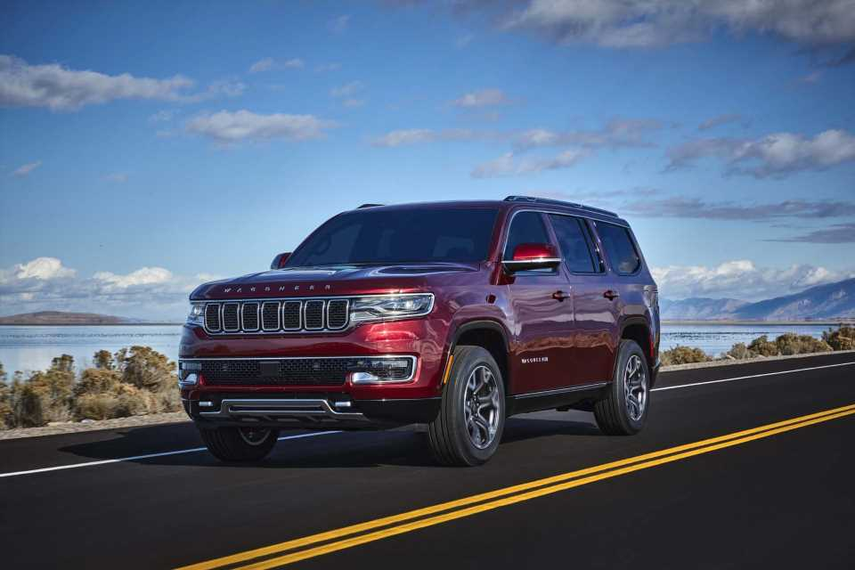 2022 Jeep Wagoneer lives again, Canoo launches EV pickup, Rivian R1S decamps: What's New @ The Car Connection